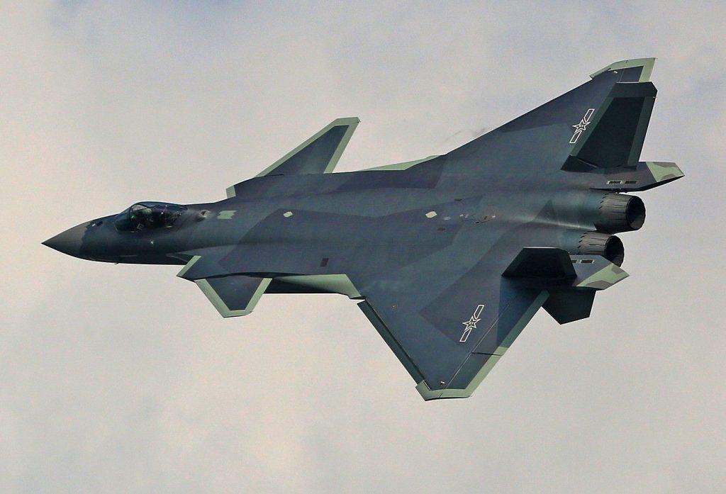 """O UCAV Dark Sword poderá operar como """"ala leal"""" do J-20"""