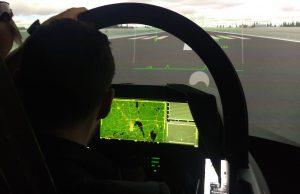 Simulador do Gripen E com WAD no Farnborough Airshow