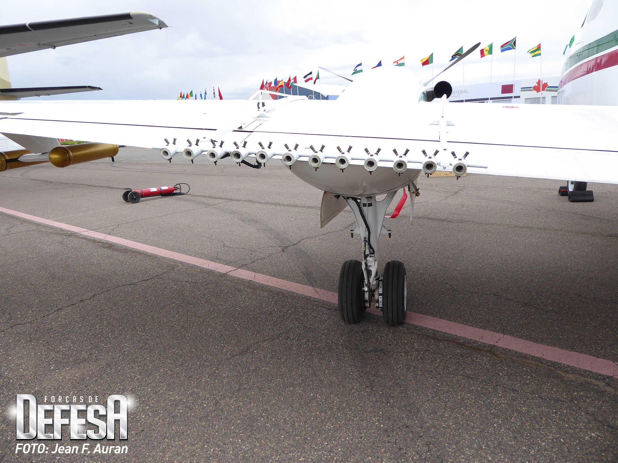 Cloud-seeding-equipement-on-King-air-200