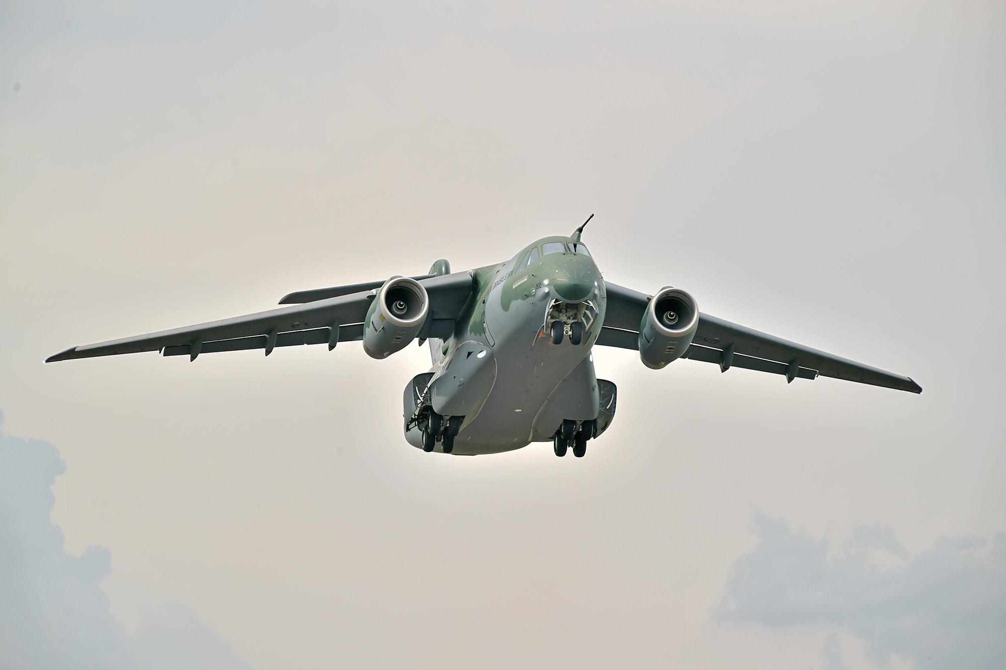 EMBRAER KC-390  - Página 7 Primeiro-voo-do-KC-390-de-s%C3%A9rie-2
