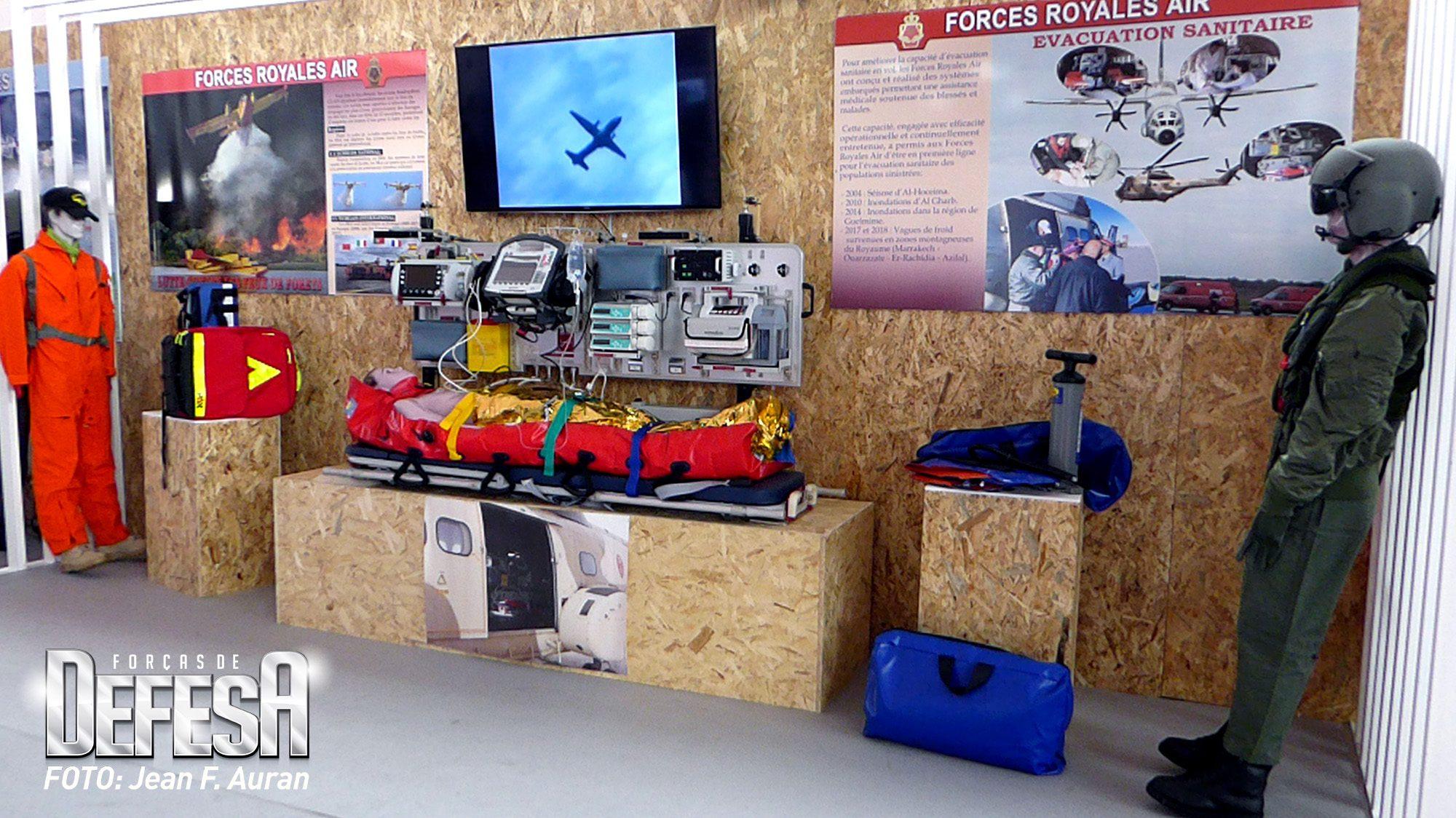 Estande de equipamentos de evacuação aeromédica