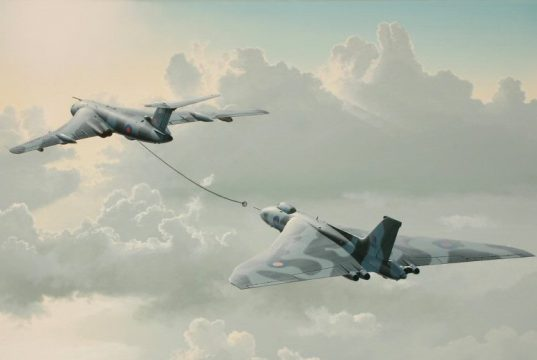 Arte retratando um avião-tanque Victor reabastecendo um bombardeiro Vulcan