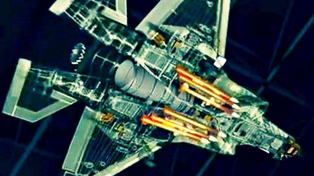 F-35C com seis mísseis AMRAAM nas baias internas de armas