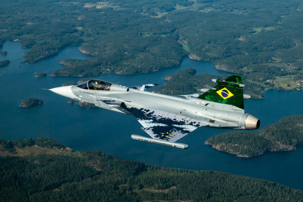 [Imagen: Primeiro-ca%C3%A7a-JAS-39E-Gripen-brasil...24x683.jpg]