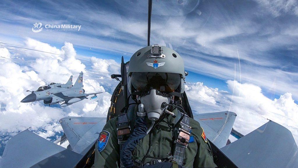 Caças J-10 e Gripen operam juntos no Falcon Strike 2019