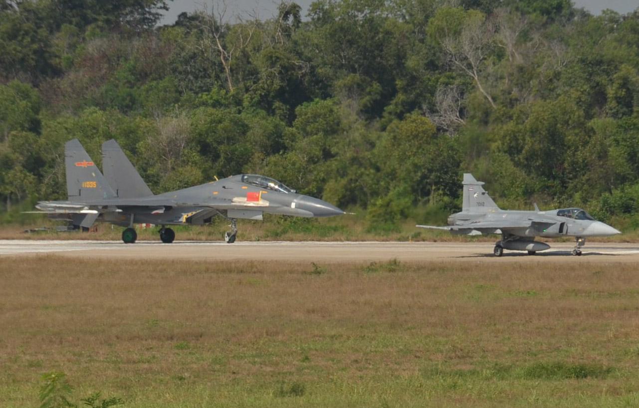 https://www.aereo.jor.br/wp-content/uploads//2019/09/Gripen-e-J-11-3.jpg