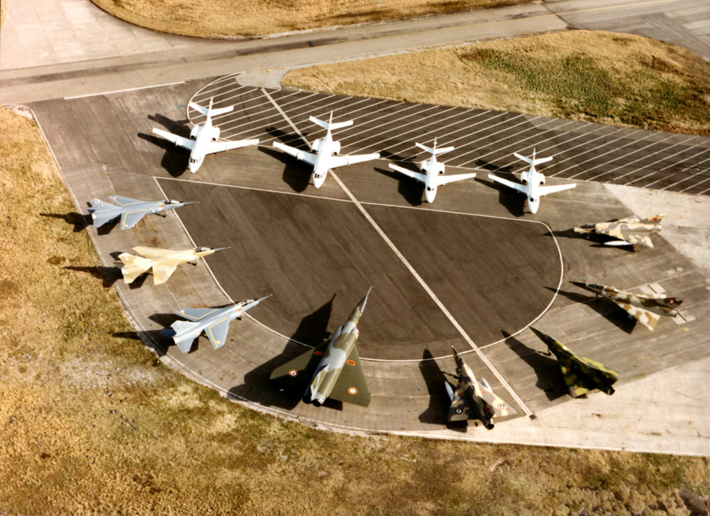 Caças Mirage e jatos executivos Falcon da Dassault