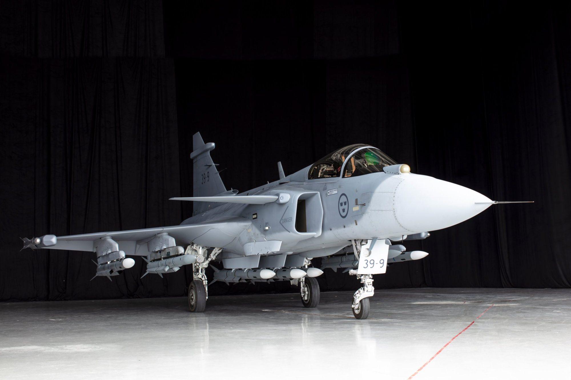 Saab JAS 39E Gripen com 7 mísseis ar-ar MBDA Meteor (clique na imagem para ampliar)