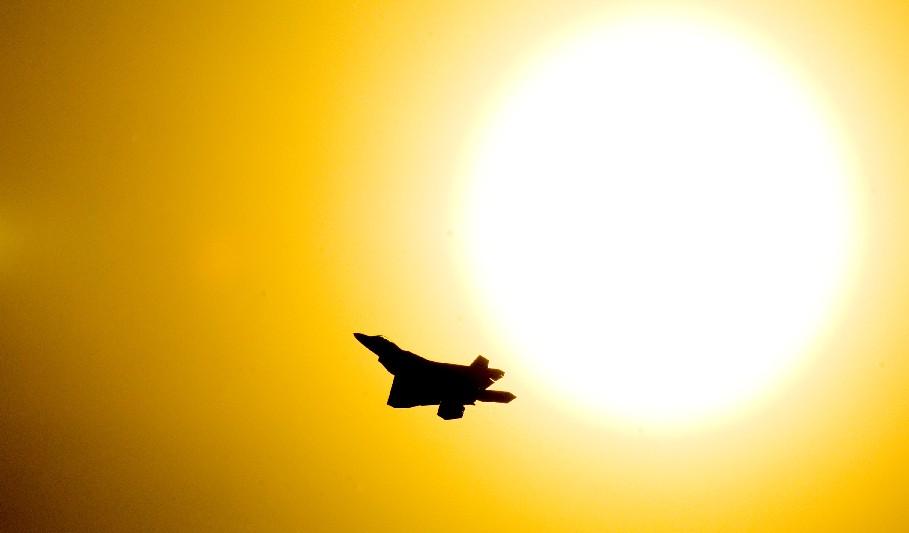 f-22-e-sol-foto-usaf