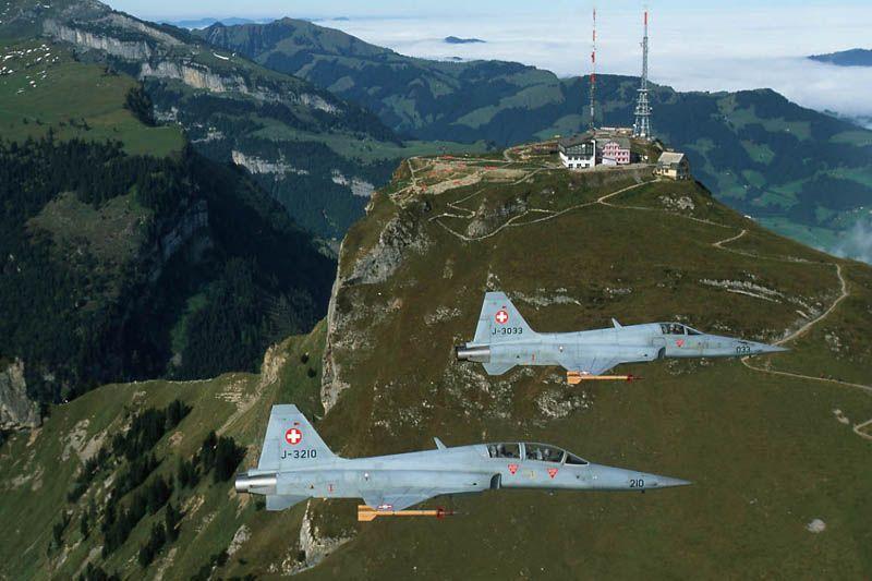 f-5-e-e-f-suicos-foto-forca-aerea-suica