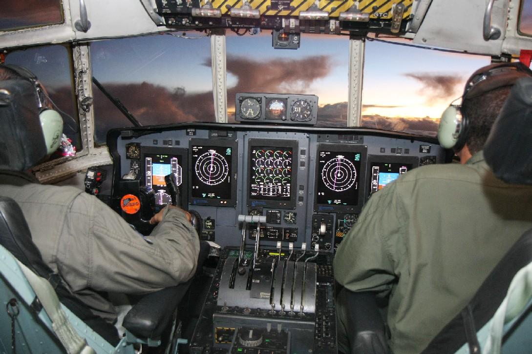 busca-visual-voo-447-cabine-hercules-c-130-foto-fab
