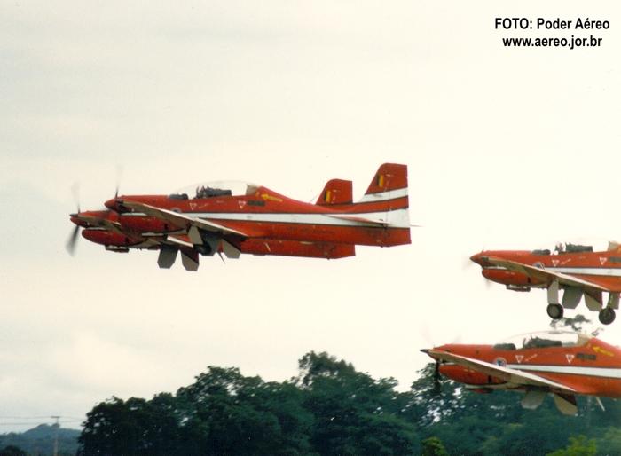 EDA-vermelho e branco-foto-poderaereo