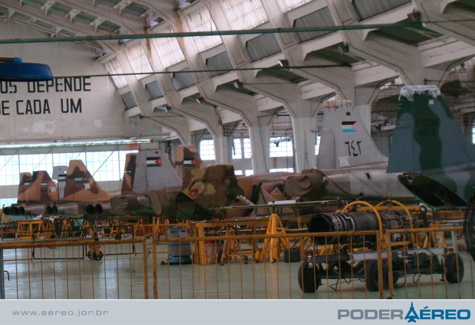 PAMA-SP 2009 - Hangar revisão F-5 - foto Nunão