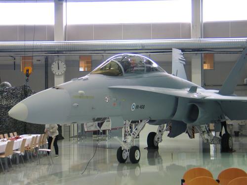 F-18 D Hornet - foto Força Aérea Finlandesa 2 via Patria