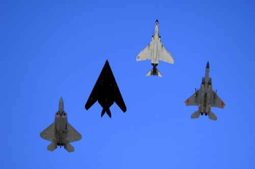 USAF fighters: F-22 Raptor, F-117 Nighthawk, F-4 Phantom e F-15 Eagle