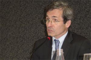 embaixador-Yves Saint-Geours