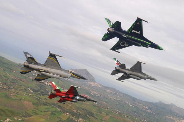 F-16 Itália comemoração 40 mil horas - foto 2 AMI