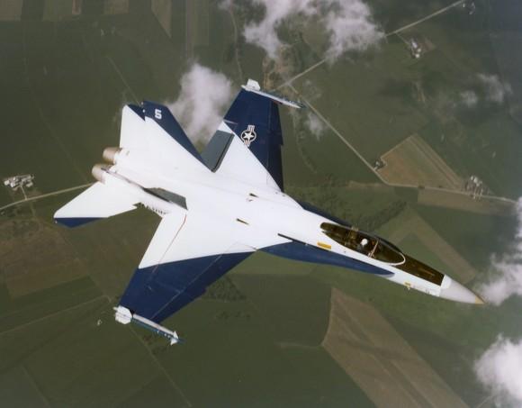 FA-18 Hornet prototipo 2