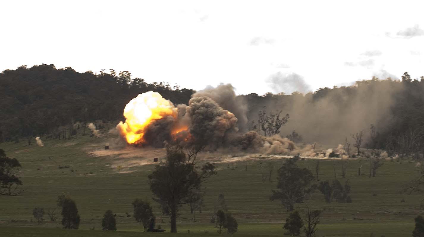 Ataque de F-111 operação Chong Ju-foto MoD Australia