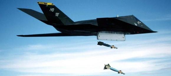 F-117_pavewayIII