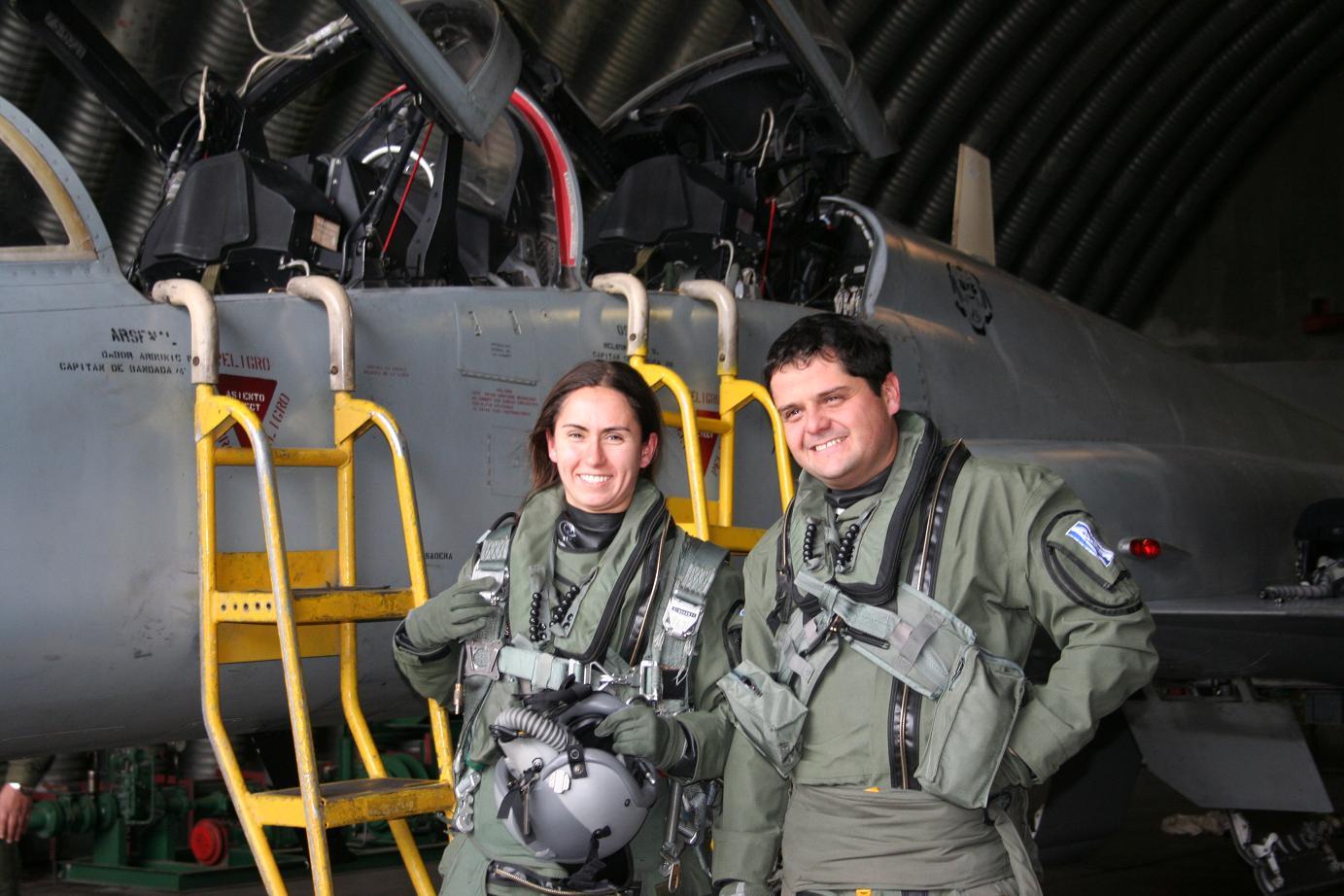 Tenente Miranda - primeira piloto supersônica da FACH - foto 1 FACH