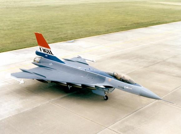 F-16XL - 4