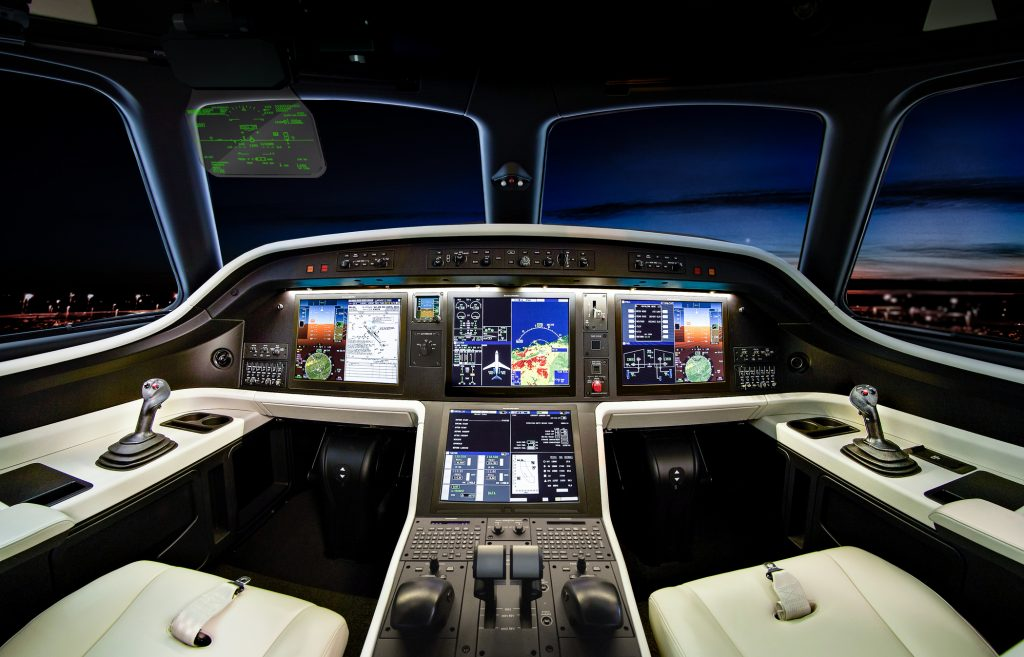 Legacy500_450_Cockpit-44-throttle-cool_2
