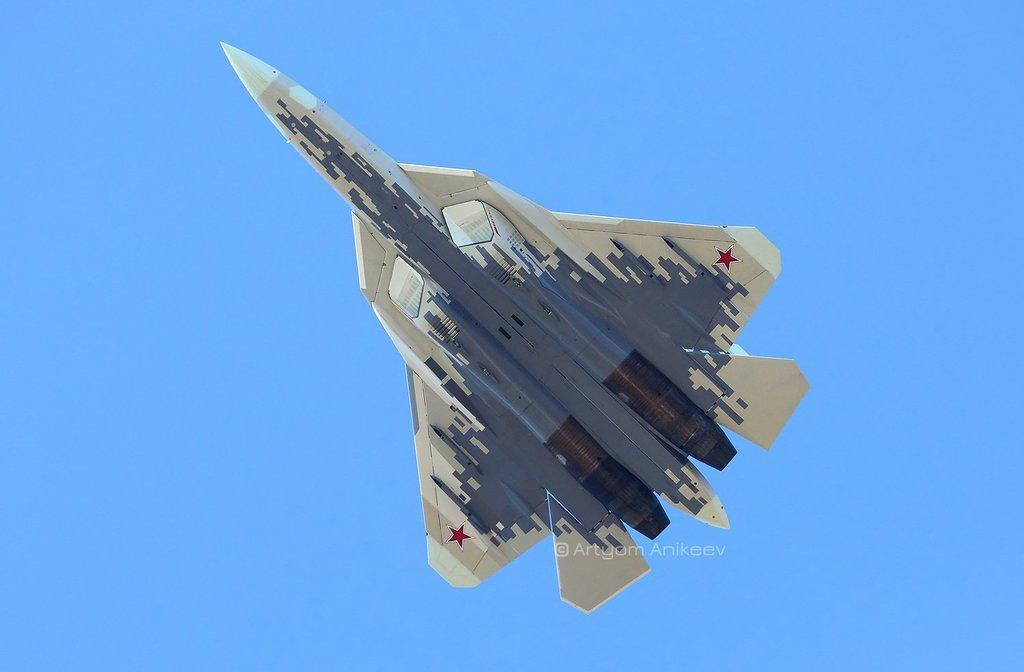 [Imagen: Ca%C3%A7a-furtivo-Su-57-5.jpg]