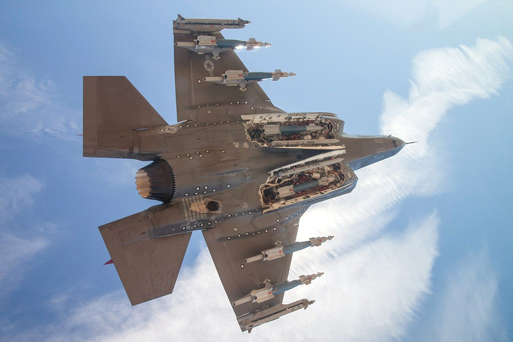 F35_external_weapons.jpg