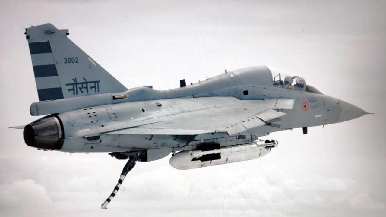 HAL-LCA-Tejas-Navy.jpg