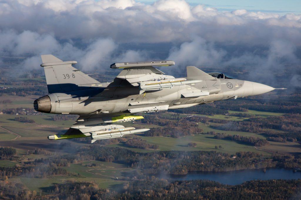 Ca%C3%A7a-Saab-JAS-39E-Gripen-voa-com-m%