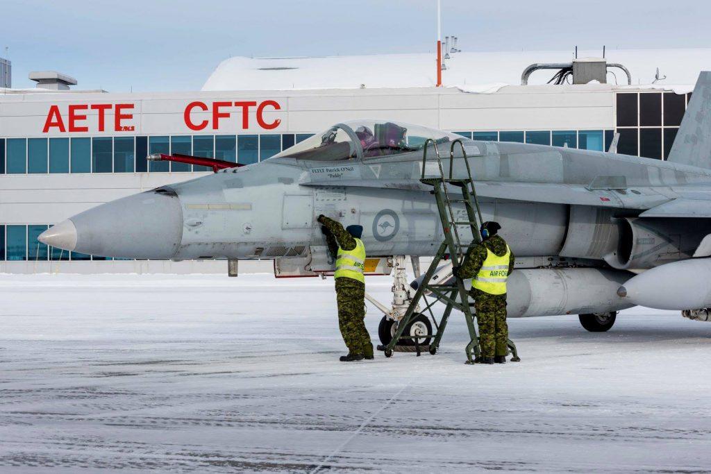 Primeiros-FA-18-Hornets-australianos-ent