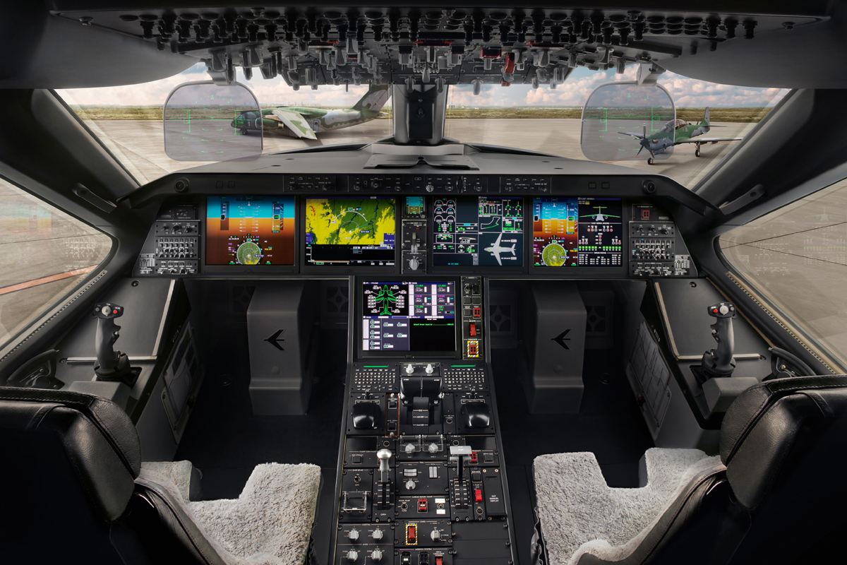 Noticias de EMBRAER - Página 13 Cockpit-do-KC-390