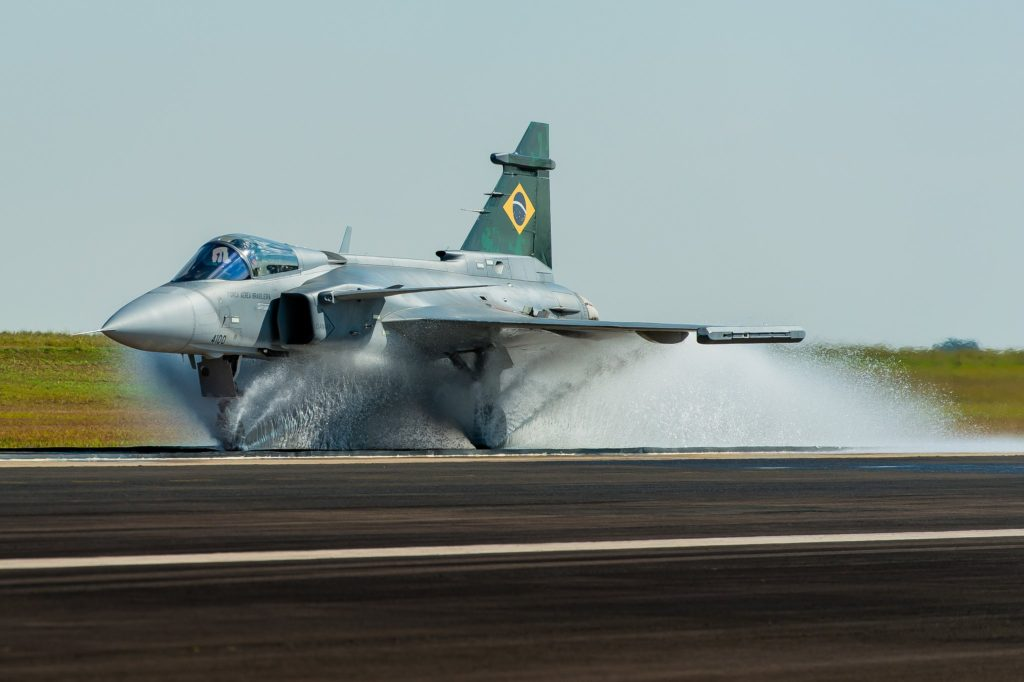 https://www.aereo.jor.br/wp-content/uploads/2021/08/Gripen-E-Spray-Test-1-1024x682.jpg